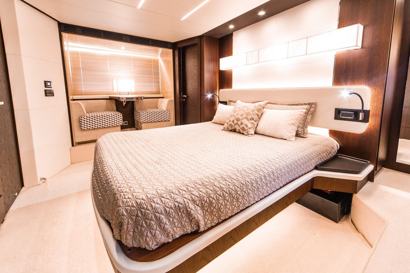 14 2016 AZIMUT 72 Flybridge Motor Yacht 2746727