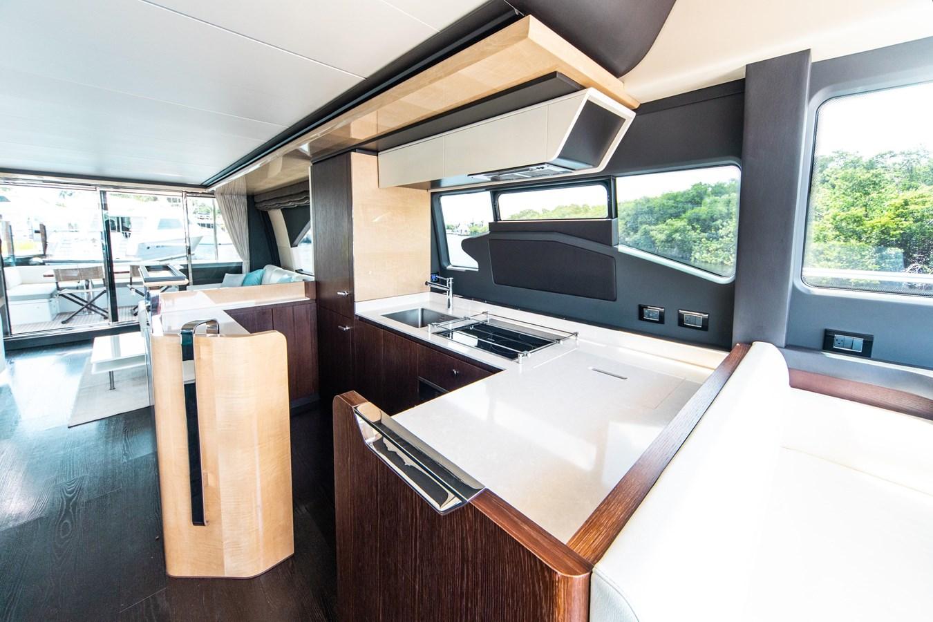 10 2016 AZIMUT 72 Flybridge Motor Yacht 2746730