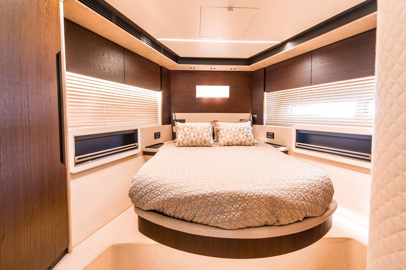 16 2016 AZIMUT 72 Flybridge Motor Yacht 2746738