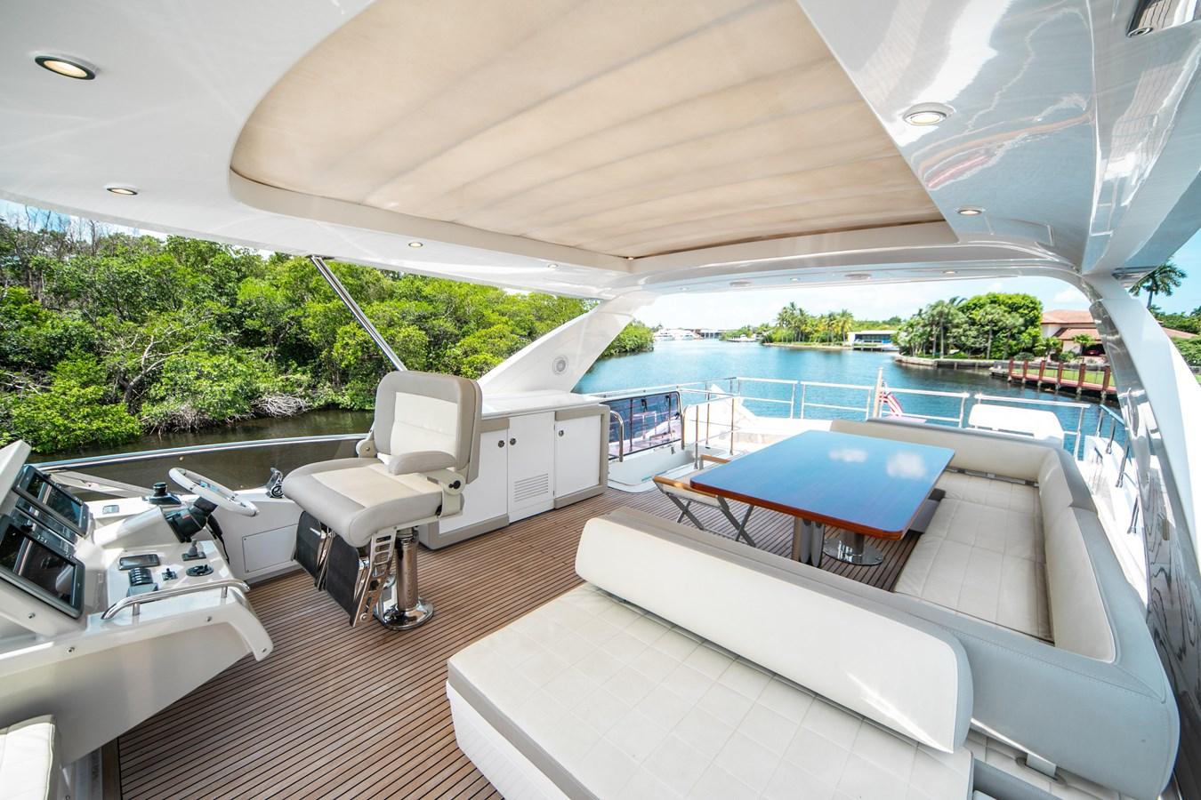 24 2016 AZIMUT 72 Flybridge Motor Yacht 2746742