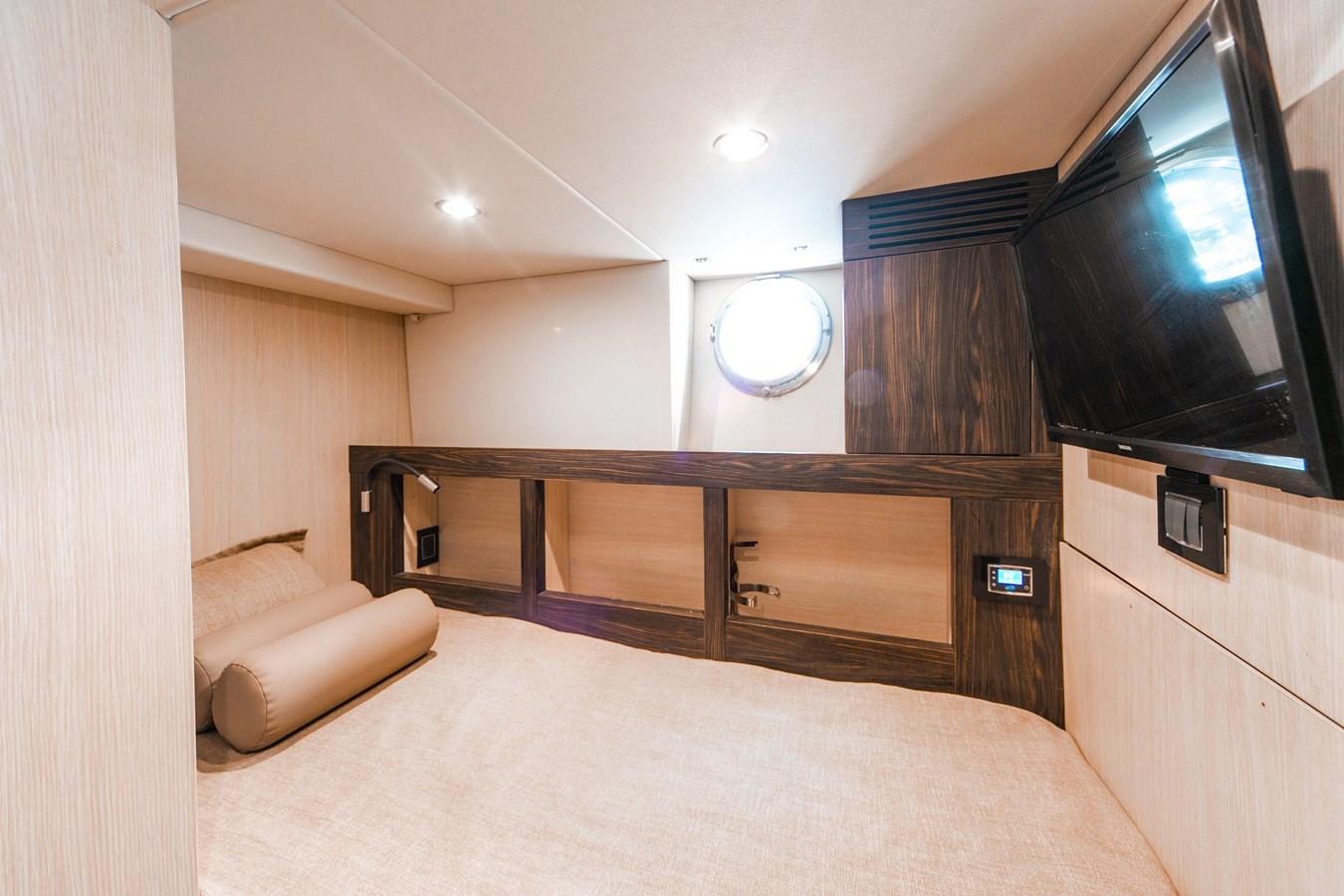 26 2016 AZIMUT 72 Flybridge Motor Yacht 2746747