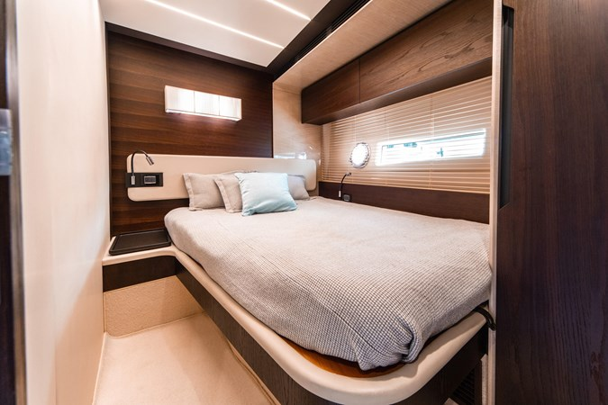 17 2016 AZIMUT 72 Flybridge Motor Yacht 2746740