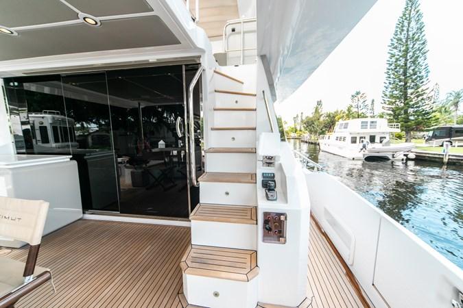 19 2016 AZIMUT 72 Flybridge Motor Yacht 2746741