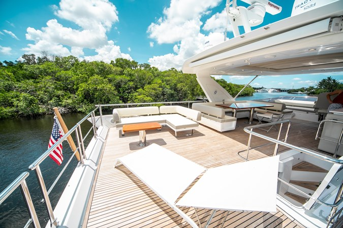 20 2016 AZIMUT 72 Flybridge Motor Yacht 2746748