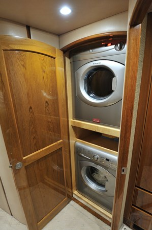 2014 Viking 66 Convertible - Washer / Dryer 2014 VIKING 66 Convertible Sport Fisherman 2758523