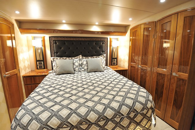 2014 Viking 66 Convertible - Master Stateroom 2014 VIKING 66 Convertible Sport Fisherman 2758542