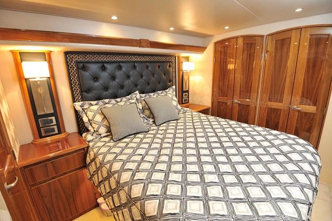 2014 Viking 66 Convertible - Master Stateroom 2014 VIKING 66 Convertible Sport Fisherman 2758543
