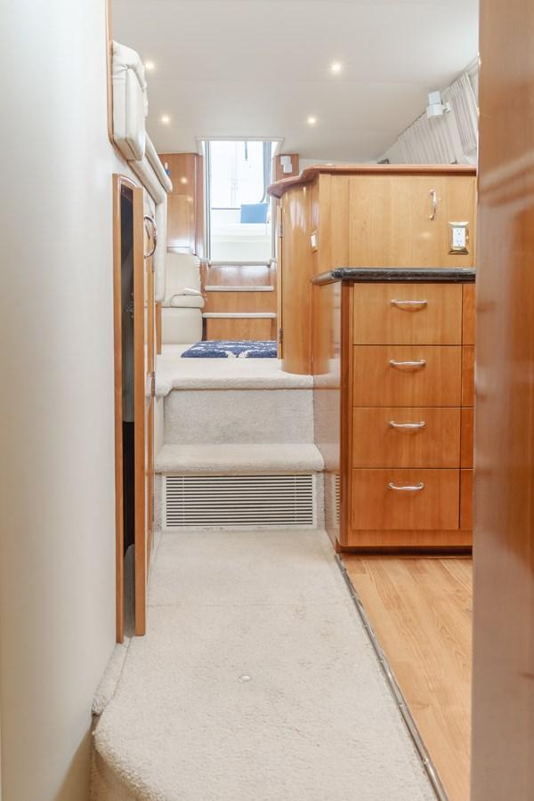 DSC03489-HDR 2005 CARVER  Motor Yacht 2737800