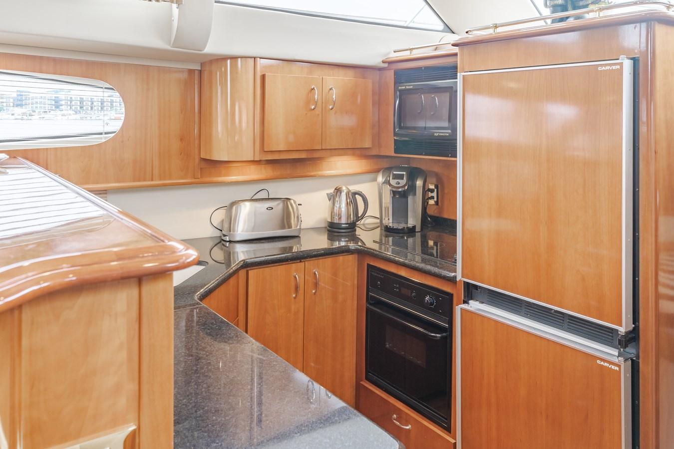 DSC03604-HDR 2005 CARVER  Motor Yacht 2737827