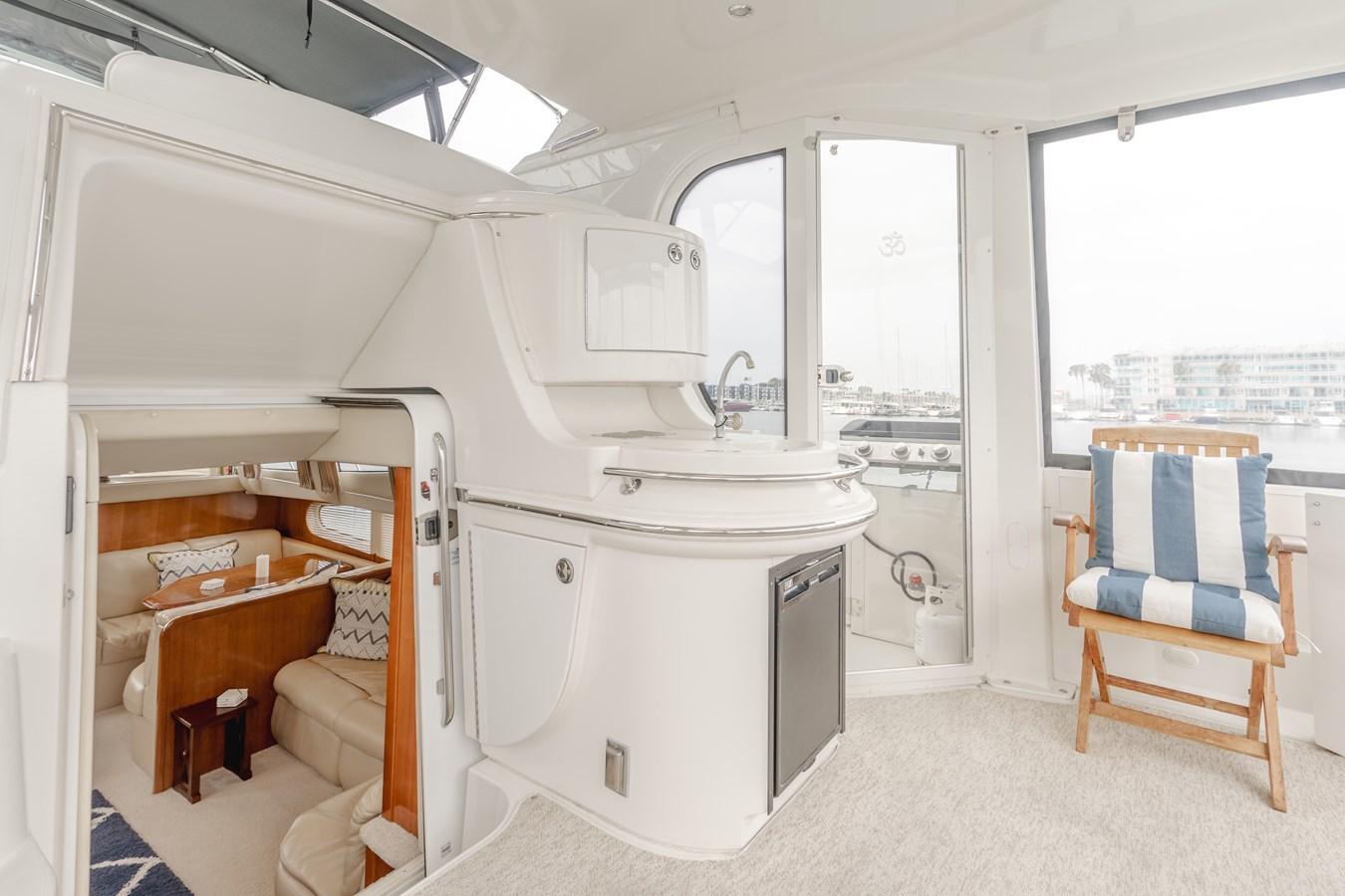 DSC03626-HDR 2005 CARVER  Motor Yacht 2737838