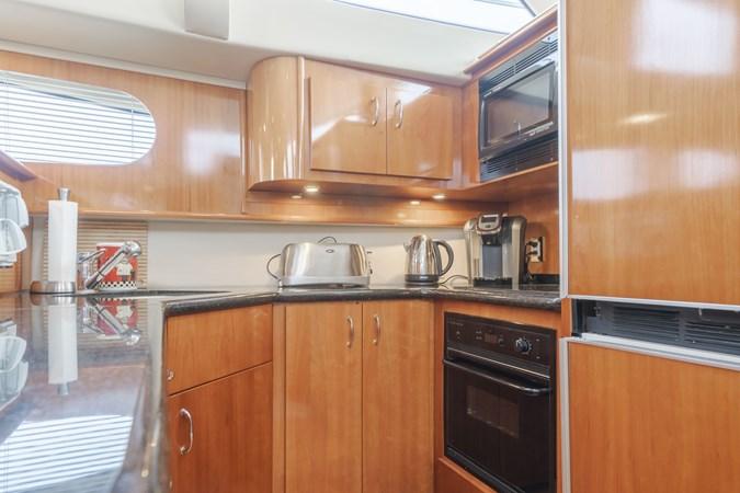 DSC03592-HDR 2005 CARVER  Motor Yacht 2737813