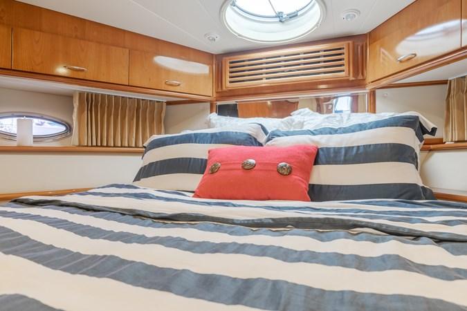 DSC03471-HDR 2005 CARVER  Motor Yacht 2737824