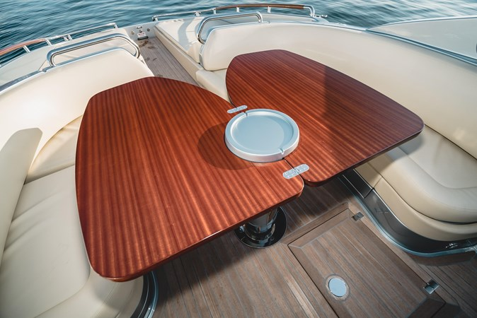 Expandable Table 2016 RIVA 44 RIVARAMA SUPER Cruiser 2737873