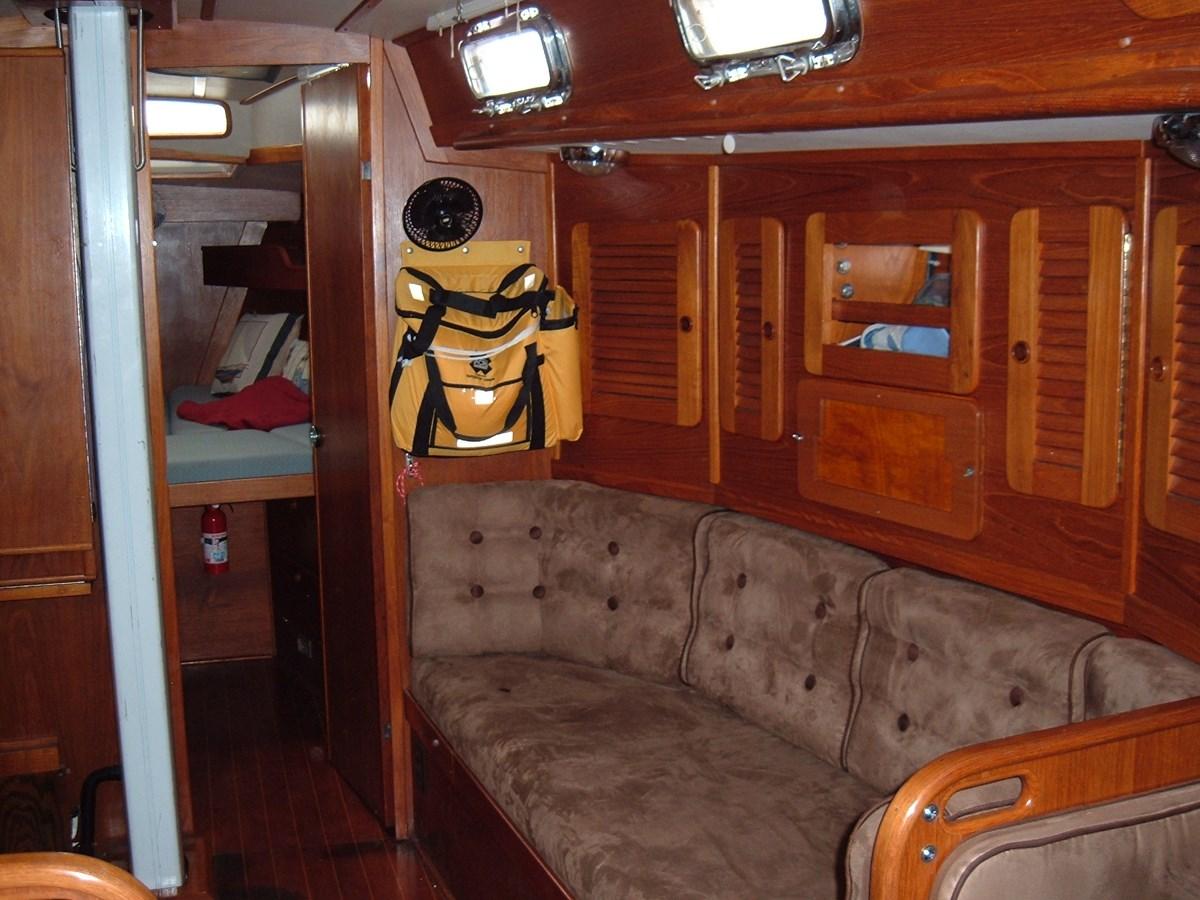 DSCF7497 1992 SABRE YACHTS Sabre 425 Cruising/Racing Sailboat 2738389