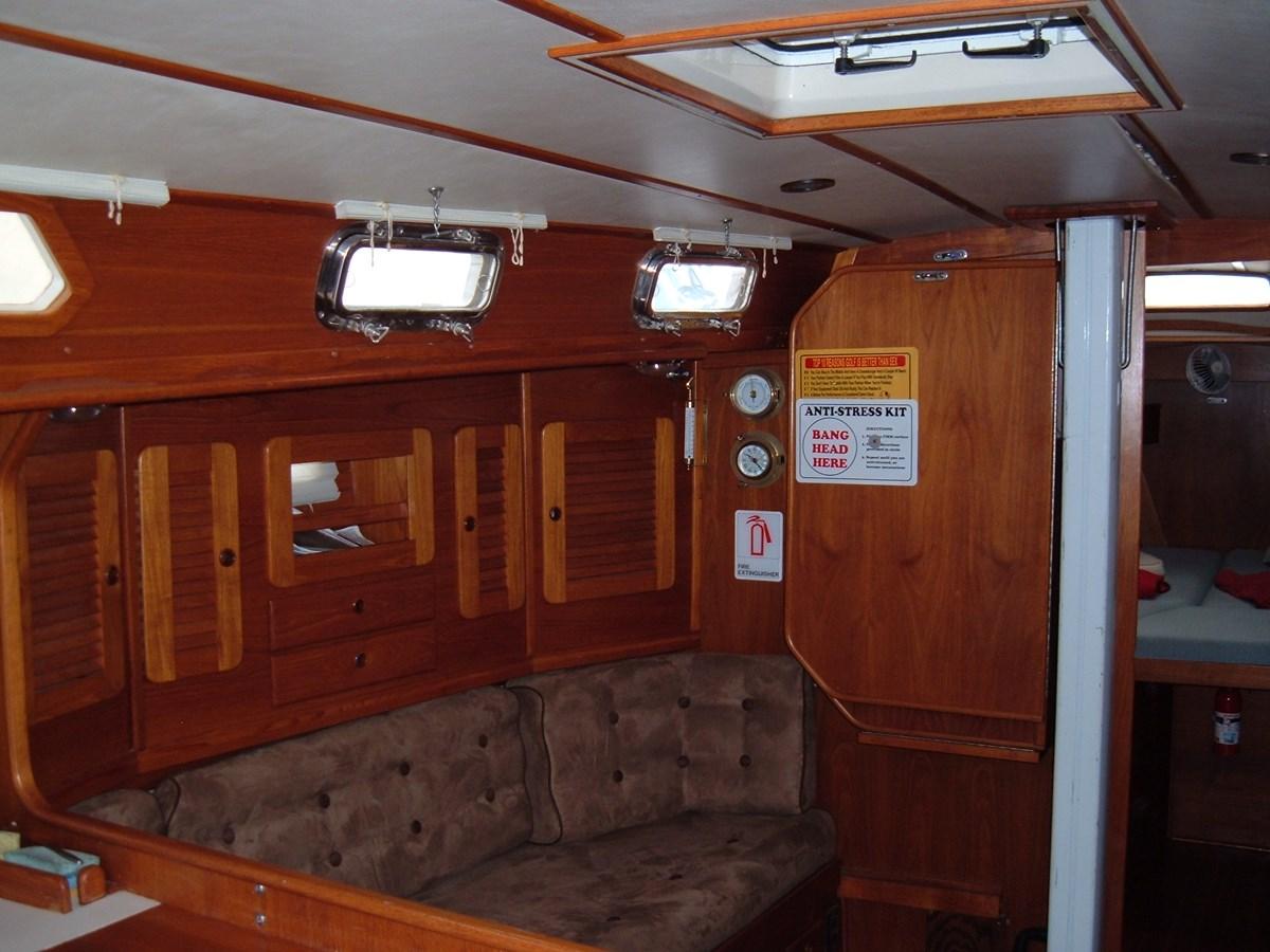 DSCF7498 1992 SABRE YACHTS Sabre 425 Cruising/Racing Sailboat 2738390