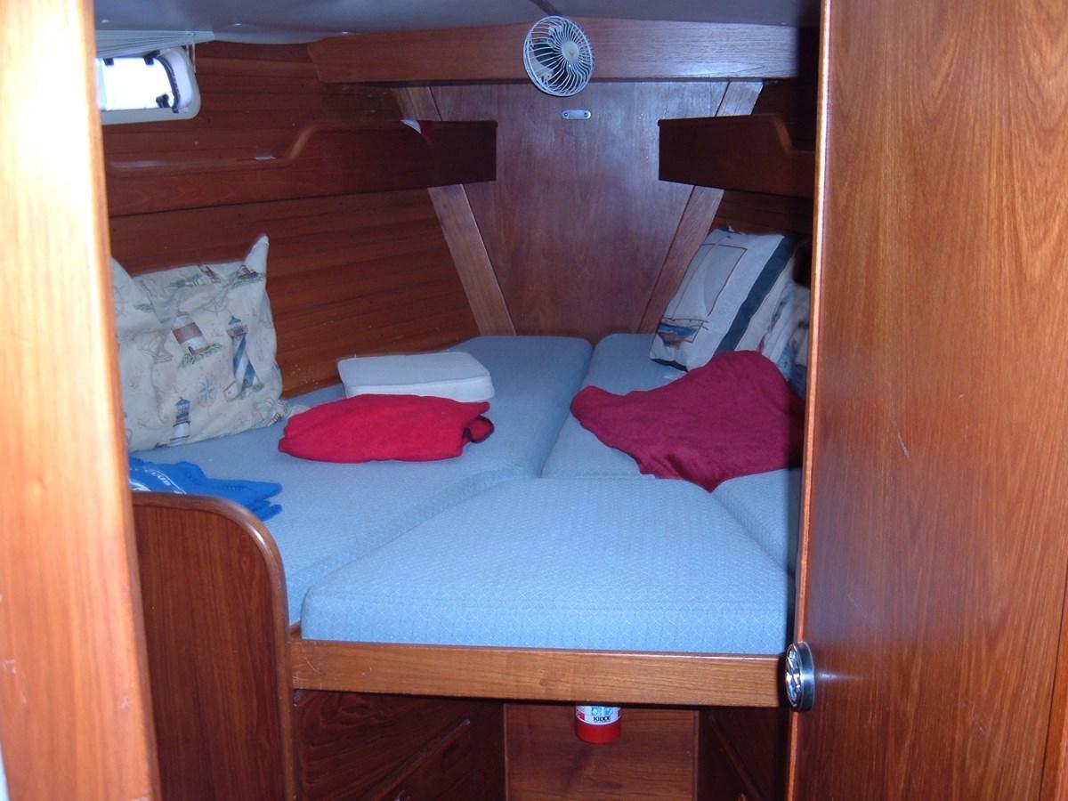 DSCF7500 1992 SABRE YACHTS Sabre 425 Cruising/Racing Sailboat 2738391