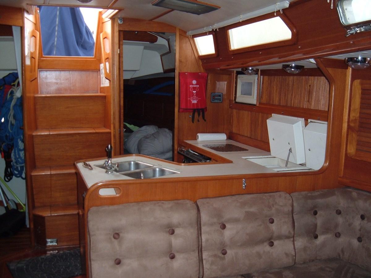 DSCF7502 1992 SABRE YACHTS Sabre 425 Cruising/Racing Sailboat 2738392