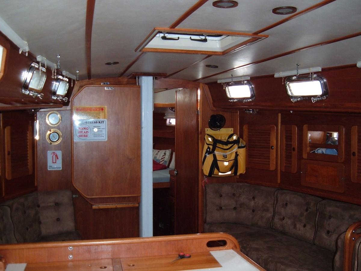 DSCF7507 1992 SABRE YACHTS Sabre 425 Cruising/Racing Sailboat 2738399