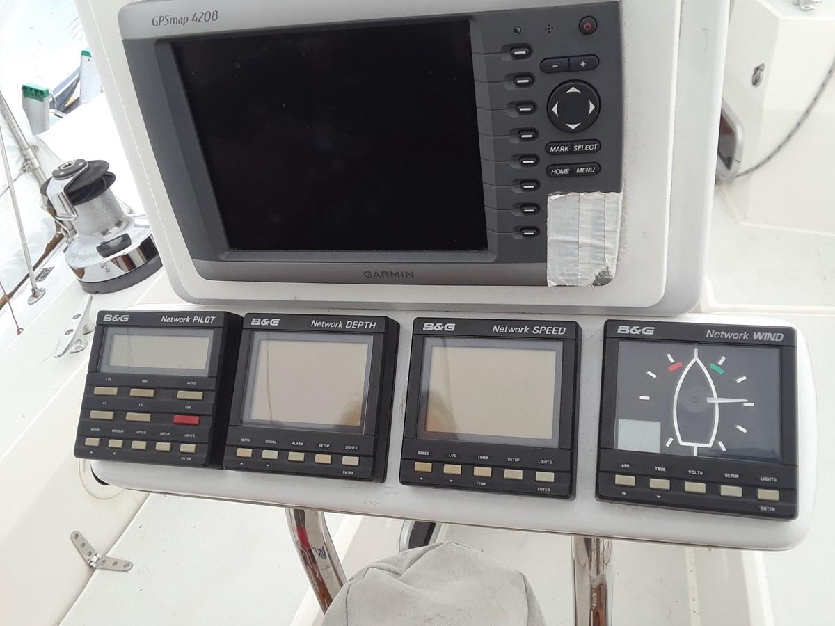 20191001_111609 1992 SABRE YACHTS Sabre 425 Cruising/Racing Sailboat 2738404