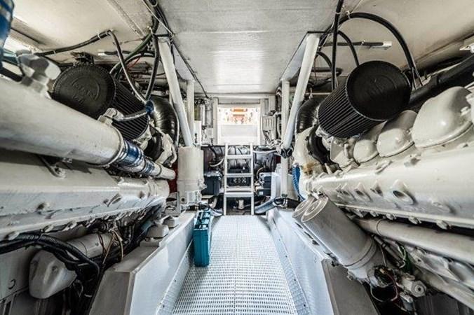 Engine Room 1993 Ocean Yachts  Sport Fisherman 2738766