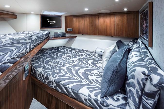 VIP Stateroom 2019 VIKING Convertible Sport Fisherman 2738909