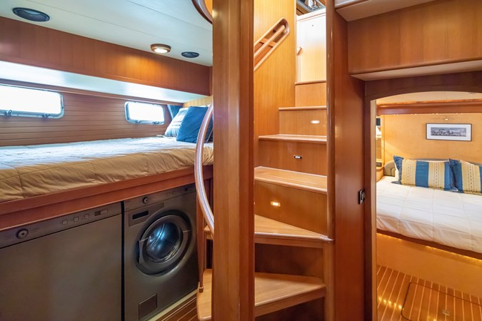 Guest Stateroom/Laundry (Starboard) 2005 MARLOW Explorer 78E Motor Yacht 2765377
