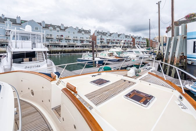 Foredeck Looking Forward 2005 MARLOW Explorer 78E Motor Yacht 2765406
