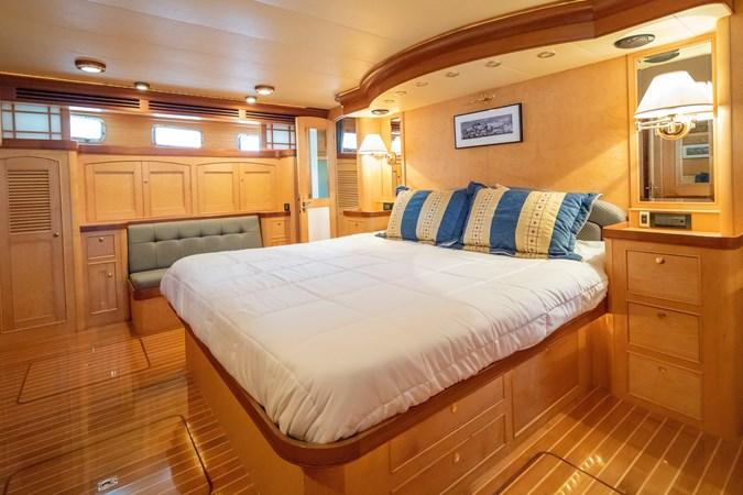 Master Stateroom 2005 MARLOW Explorer 78E Motor Yacht 2765411