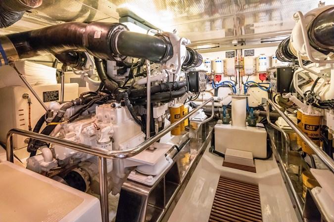 Engine Room 2005 MARLOW Explorer 78E Motor Yacht 2765412