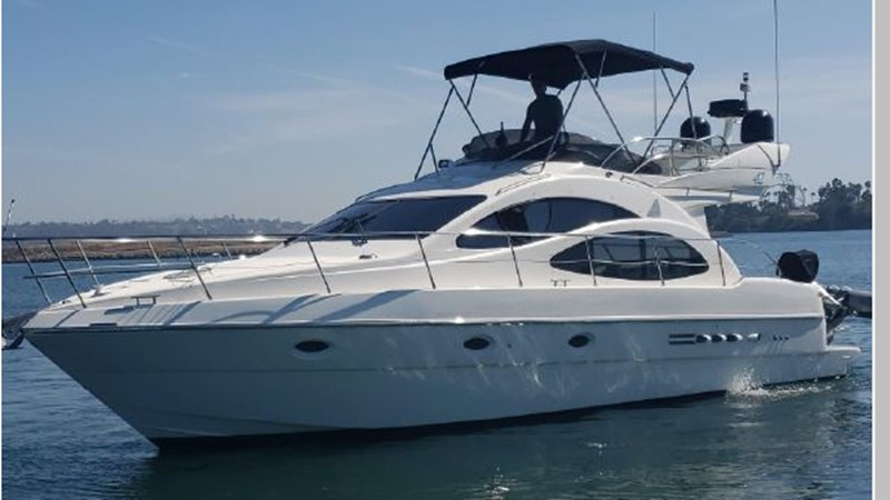 2 2001 AZIMUT 42 Flybridge Cruiser 2740252