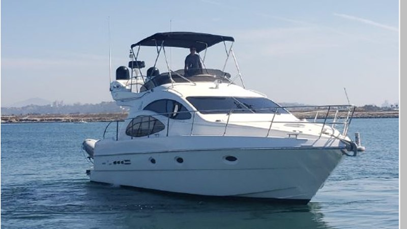 8 2001 AZIMUT 42 Flybridge Cruiser 2740259