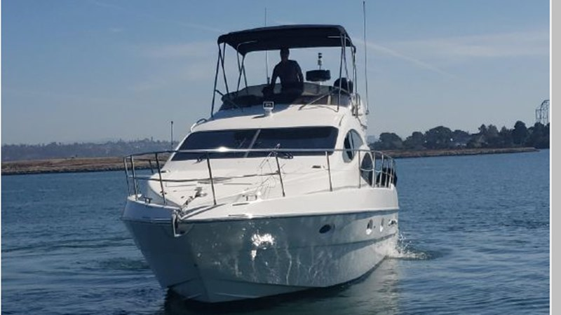 9 2001 AZIMUT 42 Flybridge Cruiser 2740262