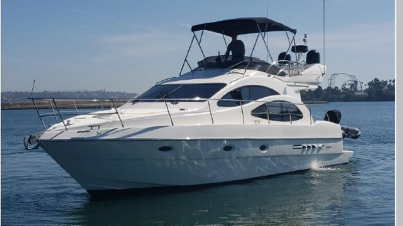 84 2001 AZIMUT 42 Flybridge Cruiser 2740271