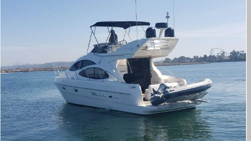 92 2001 AZIMUT 42 Flybridge Cruiser 2740274