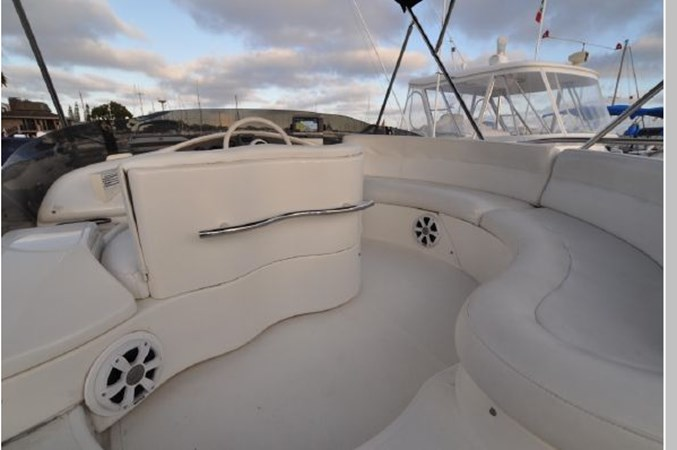 52 2001 AZIMUT 42 Flybridge Cruiser 2740275