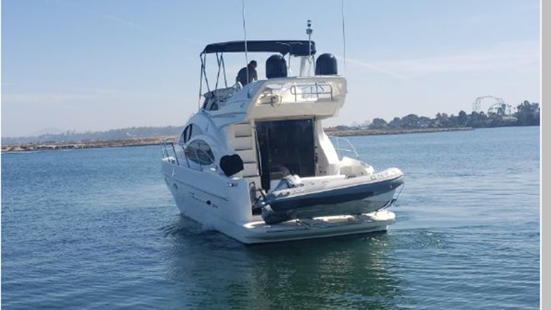 94 2001 AZIMUT 42 Flybridge Cruiser 2740276