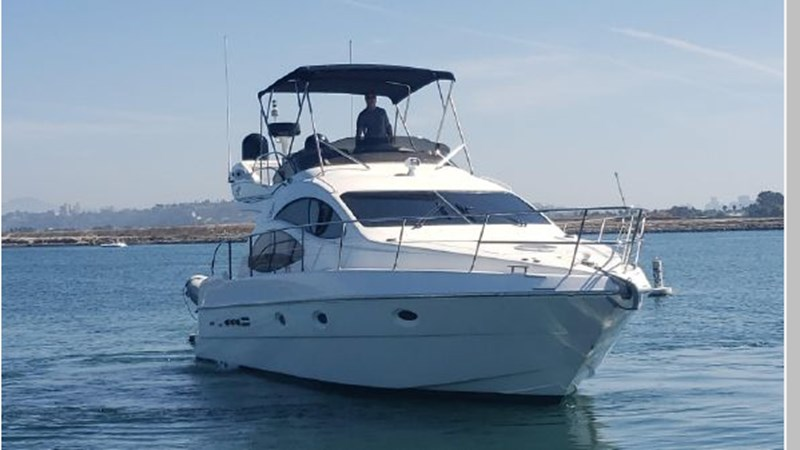 81 2001 AZIMUT 42 Flybridge Cruiser 2740278