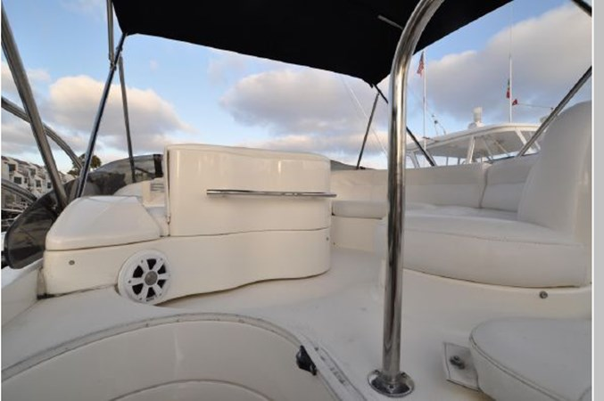 51 2001 AZIMUT 42 Flybridge Cruiser 2740279