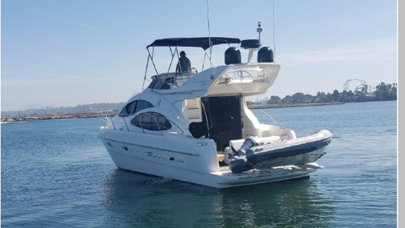 93 2001 AZIMUT 42 Flybridge Cruiser 2740281