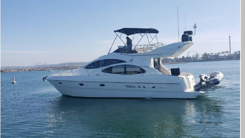 77 2001 AZIMUT 42 Flybridge Cruiser 2740284