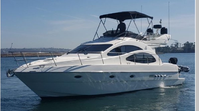 85 2001 AZIMUT 42 Flybridge Cruiser 2740285