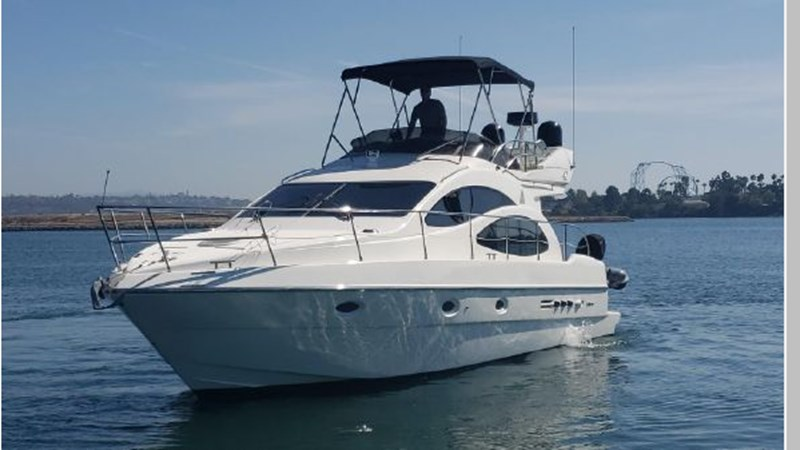 83 2001 AZIMUT 42 Flybridge Cruiser 2740286