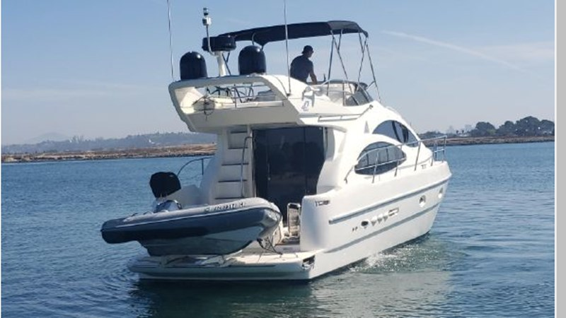 96 2001 AZIMUT 42 Flybridge Cruiser 2740289