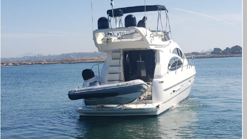 95 2001 AZIMUT 42 Flybridge Cruiser 2740291