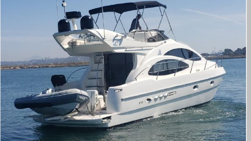 98 2001 AZIMUT 42 Flybridge Cruiser 2740294