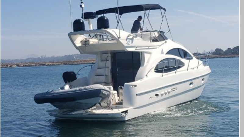 97 2001 AZIMUT 42 Flybridge Cruiser 2740298
