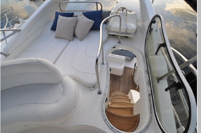 50 2001 AZIMUT 42 Flybridge Cruiser 2740299