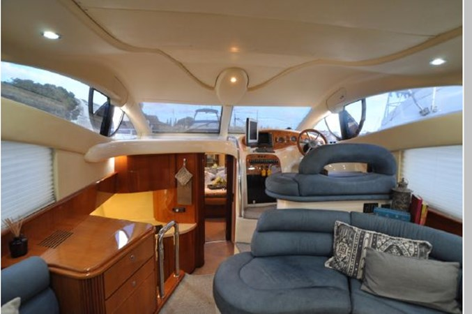 19 2001 AZIMUT 42 Flybridge Cruiser 2740303