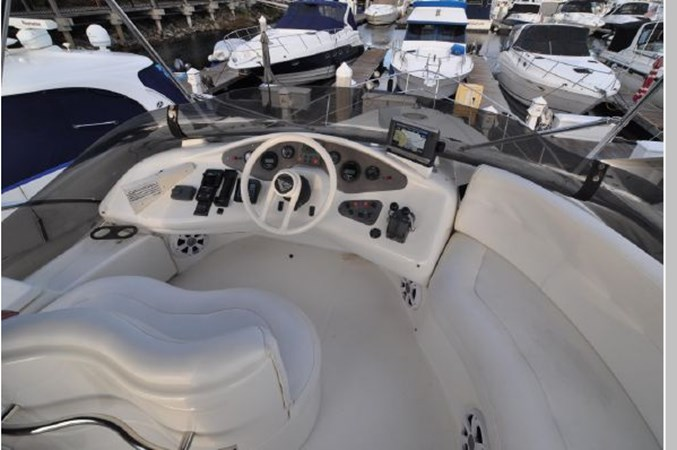 54 2001 AZIMUT 42 Flybridge Cruiser 2740311