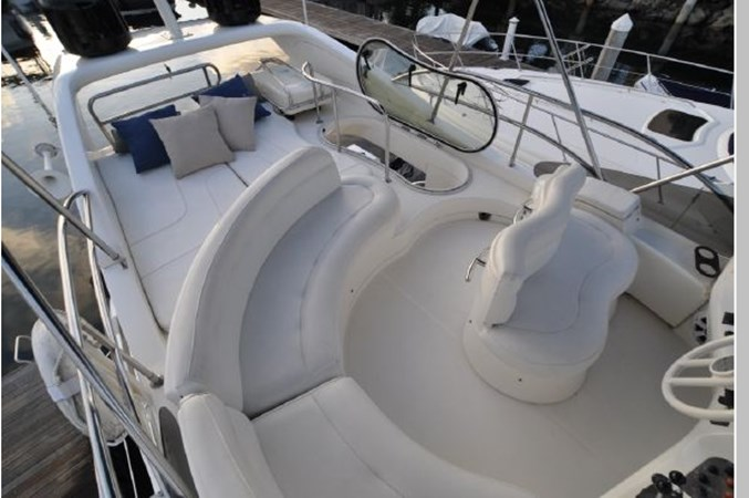 53 2001 AZIMUT 42 Flybridge Cruiser 2740315